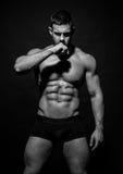 Umięśniony samiec model Konstantin Kamynin Zdjęcie Royalty Free