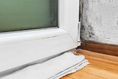 Umidade e molde - problemas em uma casa imagem de stock royalty free