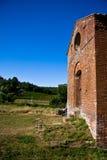 Umlagerungen Abtei der San-Galgano Lizenzfreie Stockfotografie