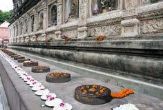 Umlagerungen des Mahabodhi Tempels stockfoto