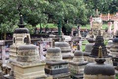 Umlagerungen des Mahabodhi Tempels in Bodhgaya lizenzfreie stockfotos