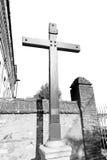 ummauern Sie abstraktes heiliges Kreuz in Italien Europa und das Himmelba Lizenzfreies Stockbild