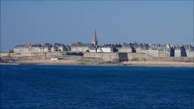Ummauerte Stadt von Saint Malo in Bretagne stock video
