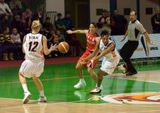 UMMC CONTRA a cesta Taranto de Cras. Euroleague 2009-2010. Imagem de Stock