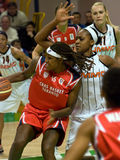 UMMC CONTRE le panier Tarente de Cras. Euroleague 2009-2010. Images stock
