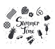 Ummer time  background with decorative silhouettes: snorkeling mask, pineapple, beach umbrella, towel, exotic cocktail Royalty Free Stock Images
