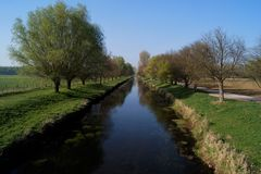 Umore della primavera sul fiume Niers vicino al oedt di Grefrath Immagini Stock Libere da Diritti