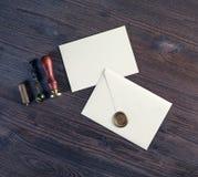 Umschläge des leeren Papiers lizenzfreie stockfotos