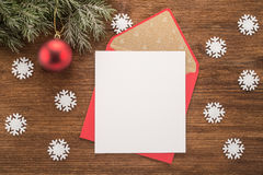 Umschlag des leeren Papiers und des Rotes Stockbilder