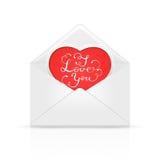 Umschlag mit rotem Herzen und Valentinsgrüße, die ich liebe dich beschriften Lizenzfreies Stockfoto