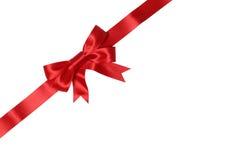 Umschlag oder Karte auf Geschenk mit Bogen für Geschenke auf Weihnachten oder Tal Stockfotografie