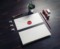 Umschlag, Retro- Briefpapier lizenzfreies stockbild