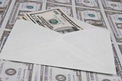 Umschlag und Geld Lizenzfreie Stockfotos