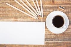 Umschlag- und Kaffeespitze Lizenzfreie Stockfotografie