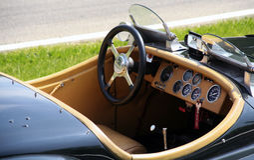 Umwandelbares klassisches Sportauto Lizenzfreie Stockfotos