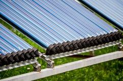 Umweltfreundliche alternative Solarenergie, Sonnenkollektoren stockfotografie