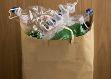 Umweltfreundliche Papiertüte des Gebrauches stockfoto