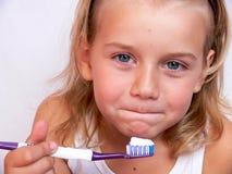 umyć zęby. obraz stock