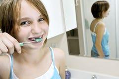 umyć zęby. Zdjęcia Stock
