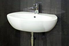 umywalkę w łazience Fotografia Royalty Free