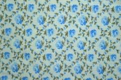 Un échantillon du tissu : rose de bleu et cage florale Photo libre de droits