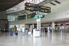Un aéroport en Europe Photos libres de droits