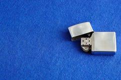 Un accendino dell'argento fotografia stock