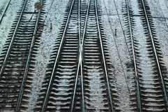Un acero Railroads en la tierra del frío del invierno Fotos de archivo libres de regalías