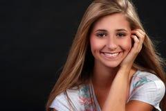 Un adolescente abbastanza biondo Immagine Stock Libera da Diritti