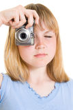 Un adolescente con una cámara Fotos de archivo libres de regalías