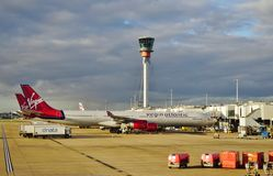 Un Airbus A330 de la línea aérea británica Virgin Atlantic (CONTRA) foto de archivo