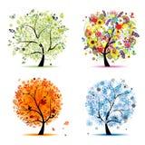Un albero di quattro stagioni - sorgente, estate, autunno, inverno Immagini Stock Libere da Diritti