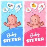Un'aletta di filatoio di due verticali della babysitter con i giocattoli svegli del bambino e del bambino Fotografia Stock Libera da Diritti