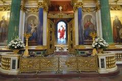 Un altar de la iglesia Foto de archivo libre de regalías