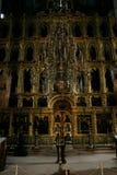 Un altare antico nella cattedrale di presupposto Fotografie Stock Libere da Diritti