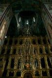 Un altare antico nella cattedrale di presupposto Immagine Stock Libera da Diritti