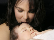Un amor de madre Fotos de archivo libres de regalías