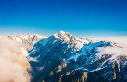 Un ampio panorama delle montagne di Snowy, alpi del sud situate in isola del sud, in Nuova Zelanda Immagini Stock Libere da Diritti