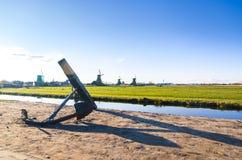 Un ancla en el pueblo del molino de viento de Zaanse Schans en Holanda Imagen de archivo libre de regalías