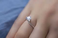 Un anello di diamante Fotografia Stock Libera da Diritti