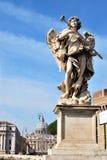 Un ange sur la passerelle de Catel Sant'Angelo Photographie stock libre de droits