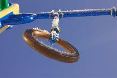 Un anneau cabreur sur le terrain de jeu gibiers image stock