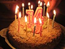 Un anniversaire-gâteau Photo libre de droits