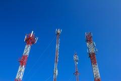 Un'antenna di 4 telefoni cellulari fotografia stock