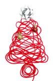 Un arbre fait en fil et ruban rouges, boule sur le fond blanc Photo stock