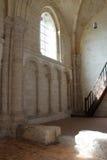 Un arcature a été sculpté sur un des murs de l'église de Madeleine dans Chateaudun (les Frances) photographie stock libre de droits