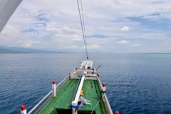 Un arco di piccola nave da crociera, Indonesia immagini stock libere da diritti