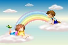 Un arcobaleno con i bambini Fotografia Stock Libera da Diritti
