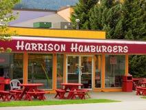 Un arrêt populaire d'hamburger chez Harrison Hot Springs, Canada photographie stock libre de droits