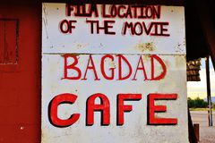 Un arresto al caffè di Bagdad, sulla strada storica 66 Immagine Stock